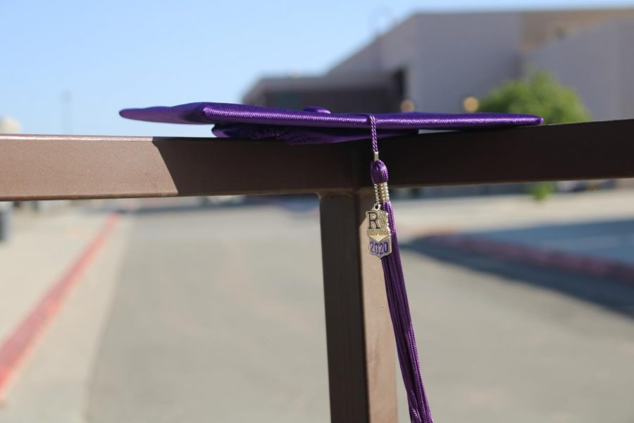 A shot of this years 2021 graduation cap is shown.