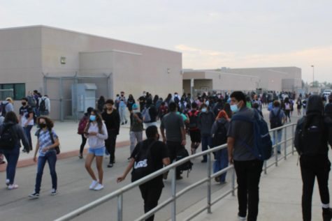 Students return back to Ridgeview High School during Covid times